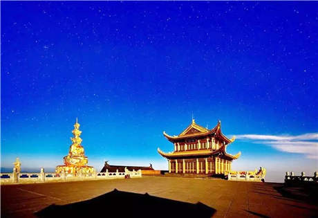 了解 峨眉山景区.图片.视频介绍,峨眉山是中国四大佛教名山之一