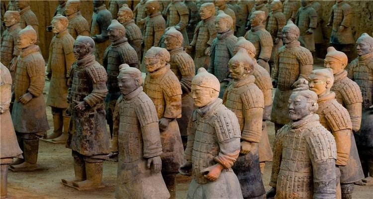 传奇西安更新 1. 5A级风景区大慈恩寺; 2. 东线制作兵马俑、身着汉服游览芙蓉园; 3. 耗资50亿打造,穿越古今的时尚网红打卡地---大唐不夜城。